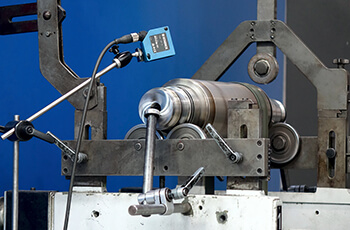 Spindle balancing equipment